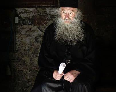 Причащение священнослужителей