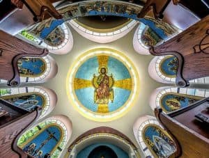 Служение воскресное с бдением святому или храму