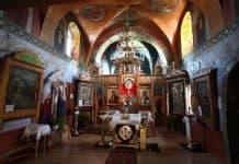 Служение во дни Фоминой седмицы с полиелеем святому или бдением
