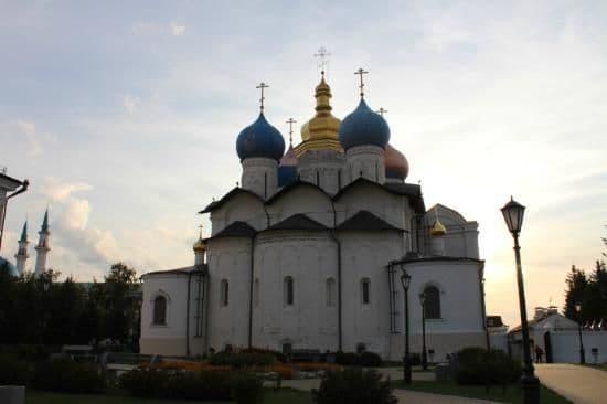 Отпевание и погребение священников и архиереев в Пасху