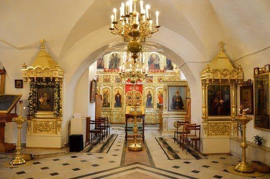 Общий порядок служения в дни Фоминой седмицы, кроме субботы, с малым святым