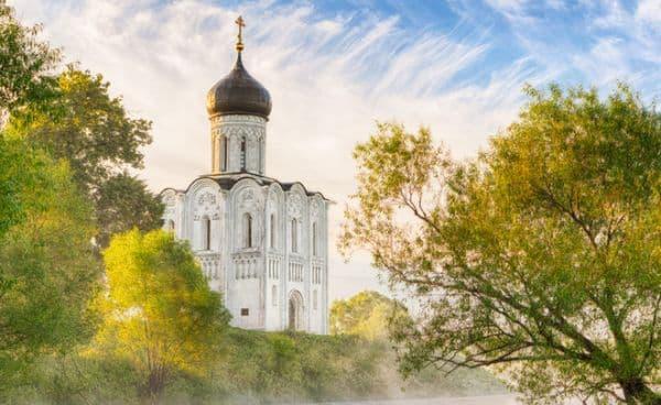 Служение в Неделю 7-ю по Пасхе с бдением святому или храмовому святому