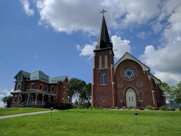 Иконопочитание и иконопись в богослужебной жизни Церкви