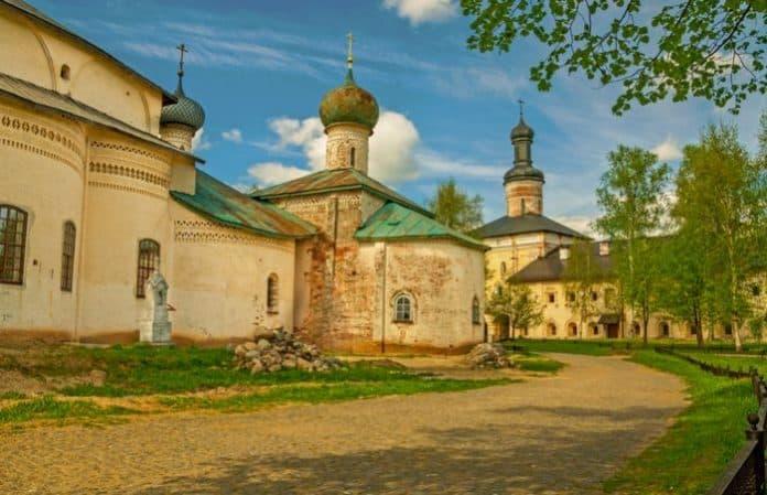 Азы православия для детей: крещение и миропомазание